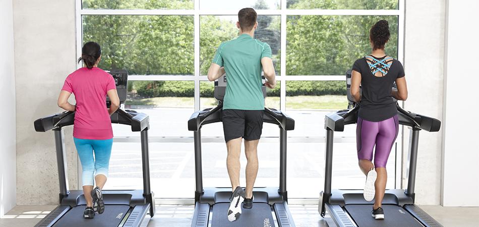 Трениращи на бягаща пътека Integrity от Life Fitness